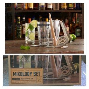 The Refinery Mixolgy 7pc set NEW